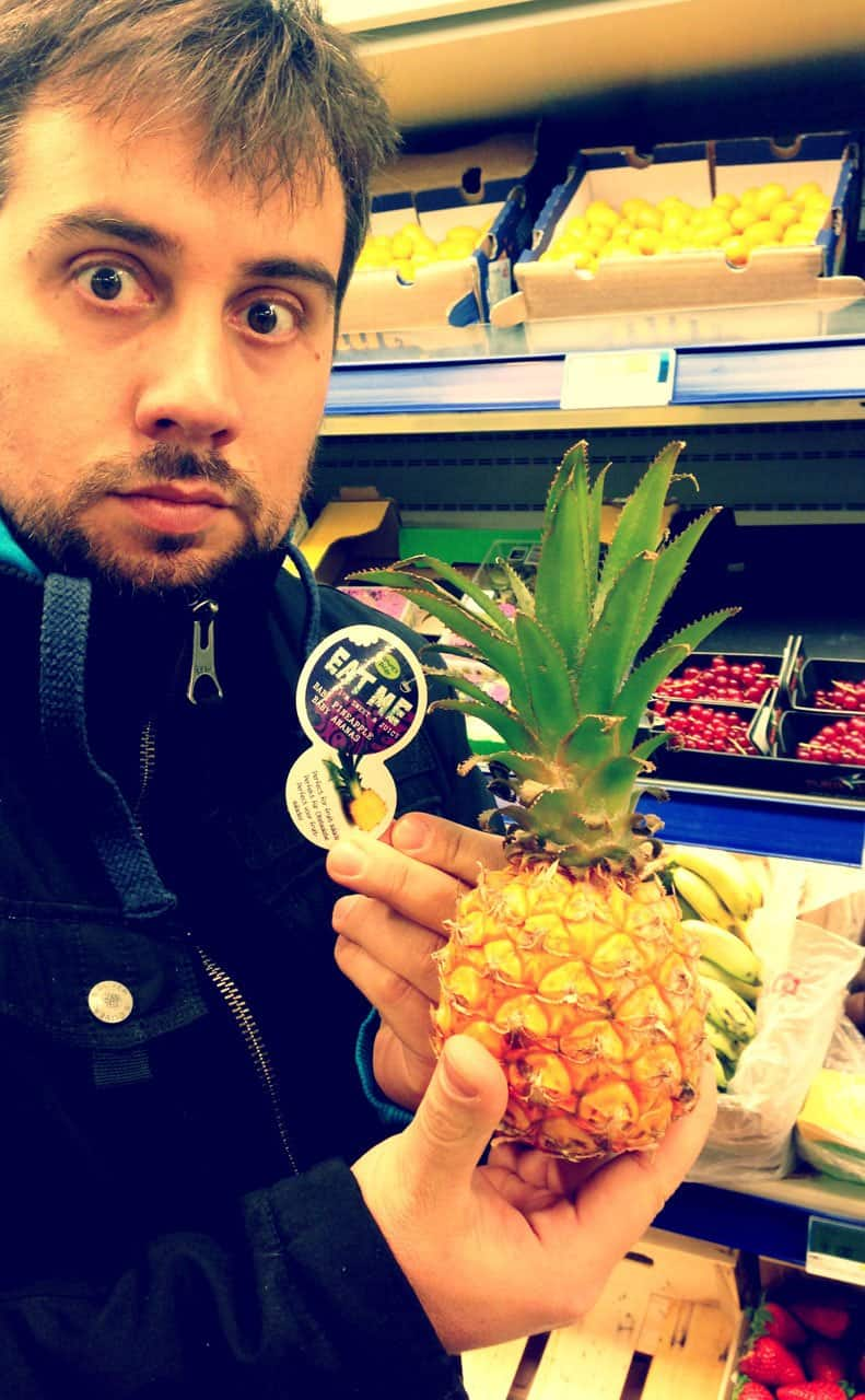 Tiny Pineapple - Eat me!